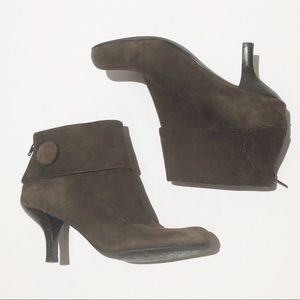 Franco Sarto Brown Suede Booties. 9M